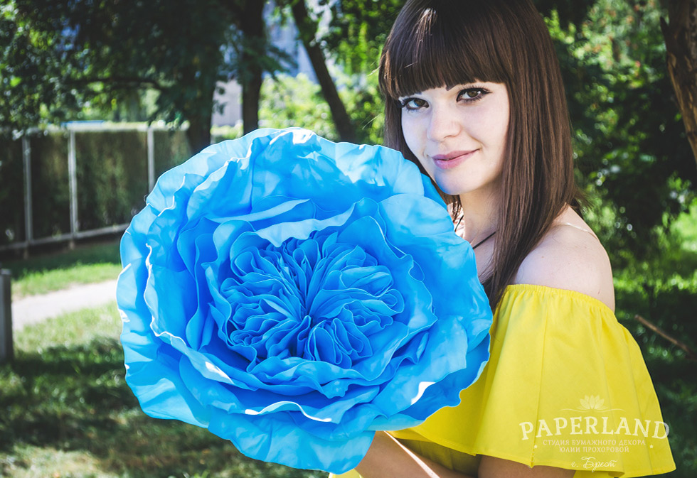 Купить пионовидные розы