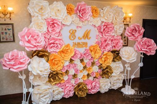 Фотозона на свадьбу. Цветы