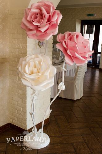 Свадебное фото с розами